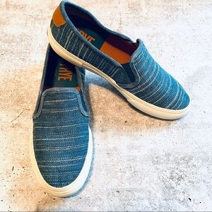 Frye Gia Blue Canvas Slip on Shoes 6M